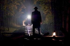 The arrival of the train in darkness