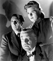Evelyn Ankers and some other chaps