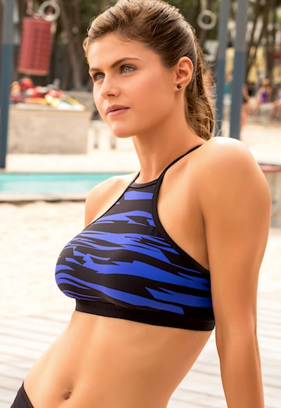 Surprise, it's Alexandra Daddario!