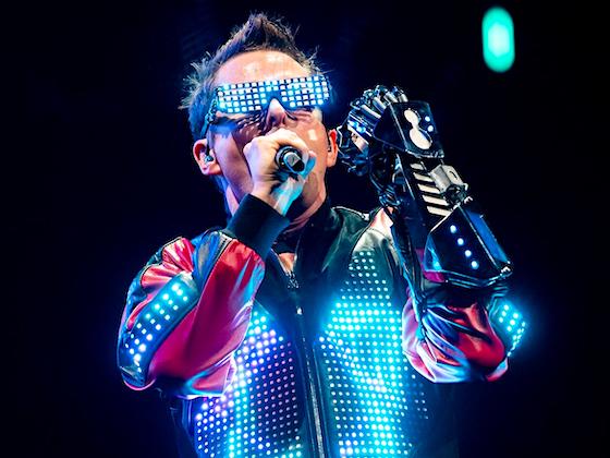 Sci-fi singer